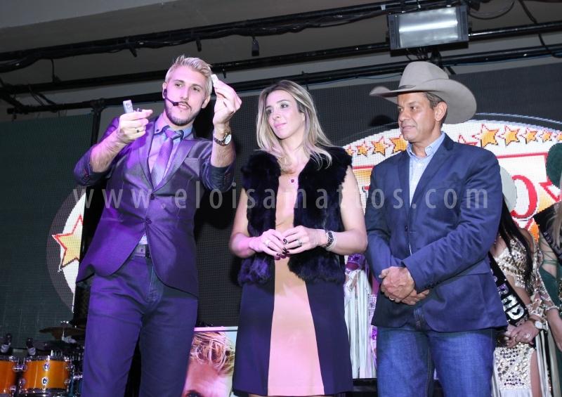 LANÇAMENTO RODEO CONTRY BULLS 2016 - Eloisa Mattos