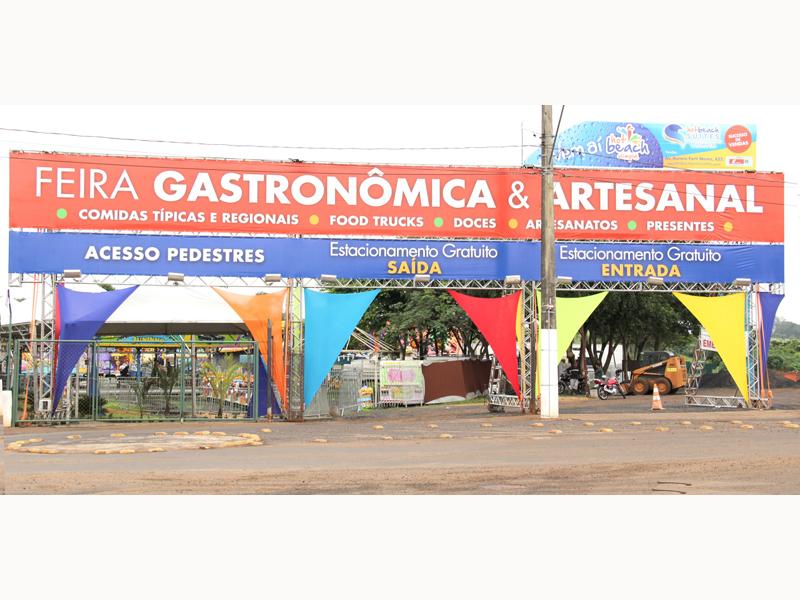 FEIRA GASTRONÔMICA NO HOT BEACH - Eloisa Mattos