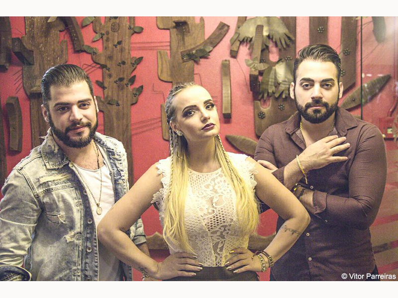 THE CLUB TRAZ SHOW VILLA BAGGAGE - Eloisa Mattos