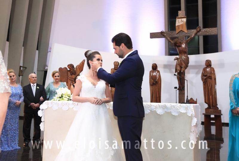 CASAMENTO RELIGIOSO DE MARINA DE SETA BUCHDID E CRISTIANO VERDI – IGREJA REDENTORA - Eloisa Mattos