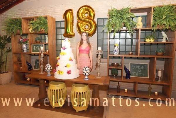 """FESTA SURPRESA DE 18 ANOS  – """"SUNSET"""" DA TETÊ - Eloisa Mattos"""