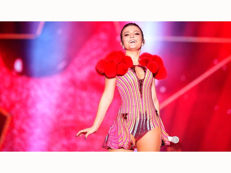 """RIO PRETO RECEBE A ESTRELA TEEN """"LARISSA MANOELLA"""" EM SHOW UP TOUR 3b4fac885e"""