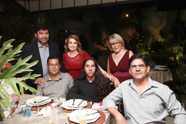 BODAS DE 40 ANOS DE CASAMENTO – VALQUÍRIA MENEGALDO E JOÃO SILVA - Eloisa Mattos