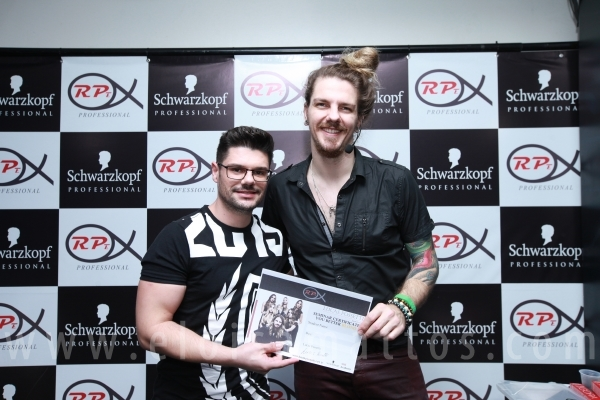 "2º DIA DO CURSO ""YOU BETTER BLOND"" BY LUCAS POSSETTI – RPEPROFESSIONAL/SCHWARZKOPF - Eloisa Mattos"