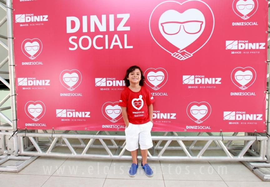 """""""DINIZ SOCIAL"""" OFERECE 25 MIL CONSULTAS OFTALMOLÓGICAS GRATUITAS E DOAÇÃO DE ÓCULOS PARA CRIANÇAS - Eloisa Mattos"""