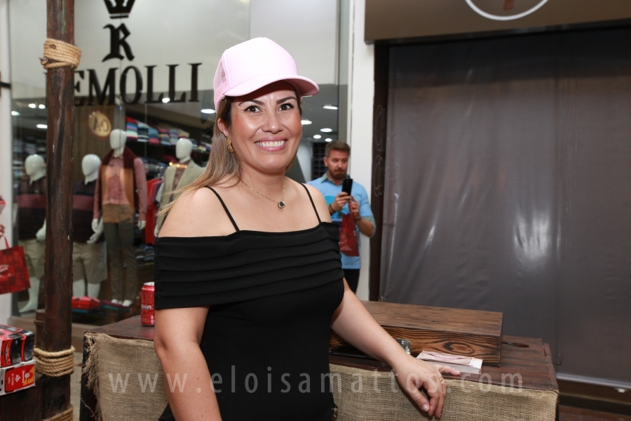 ENTREGA CAMISETA FEIJOADA DOS AMIGOS PARA A IMPRENSA – RIO PRETO SHOPPING - Eloisa Mattos