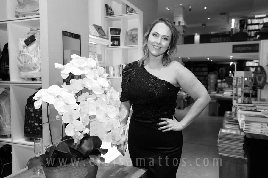 """LANÇAMENTO DO LIVRO """"MULHERES FORA DE SÉRIE"""" DE REGIANE MARTINS- COACH - Eloisa Mattos"""