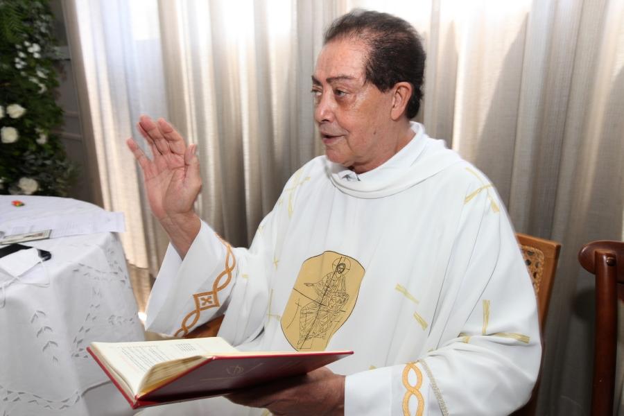BATIZADO DE LEO DE SETA BUCHDID VERDI - Eloisa Mattos